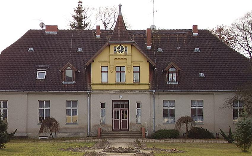 Gutshaus zu DDR Zeiten. Nutzung als Kindergarten und Schulküche